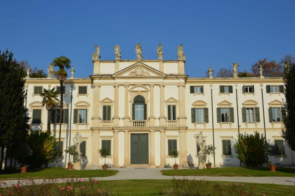 The facade of Villa Mosconi Bertani