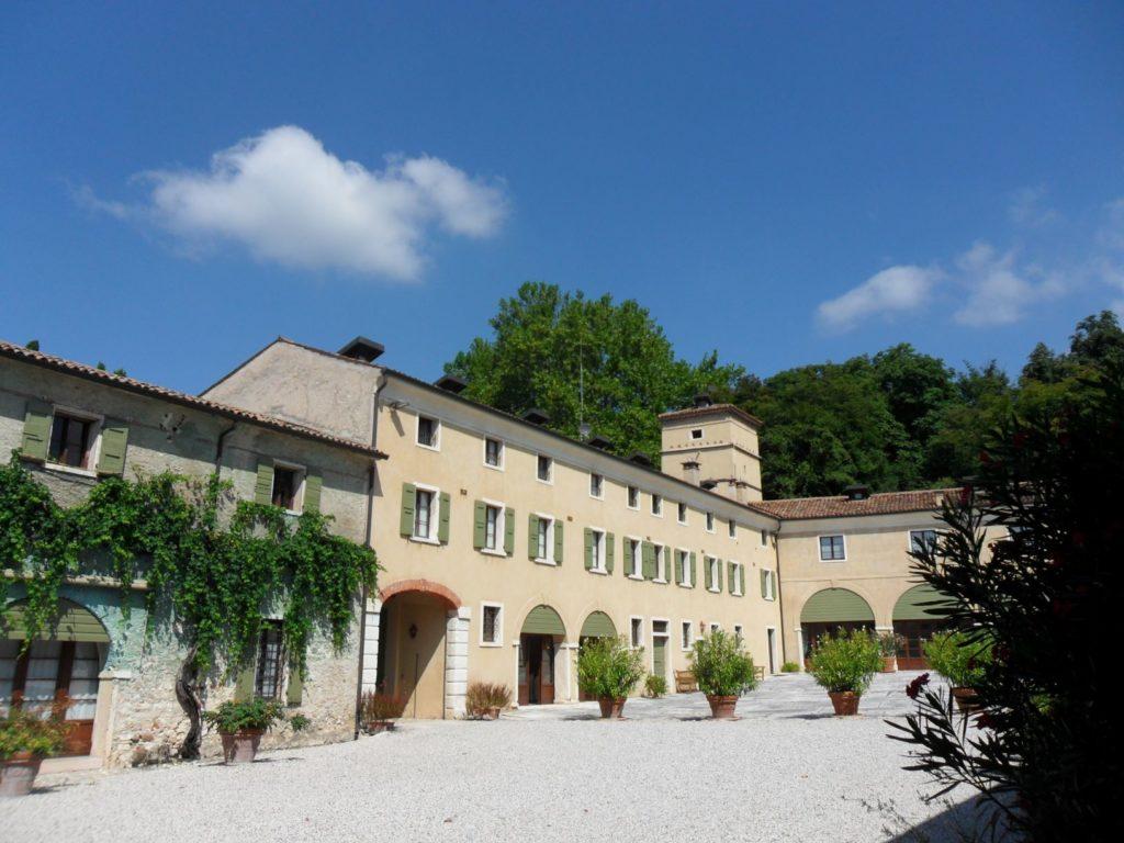 Villa Serego Alighieri and its courtyard