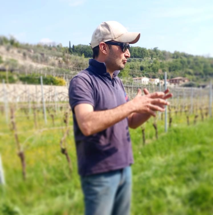 Why Pagus - Marco, the owner of Le Bertarole winery, explaning his work in the vineyards