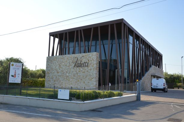The new and modern winery of Valetti