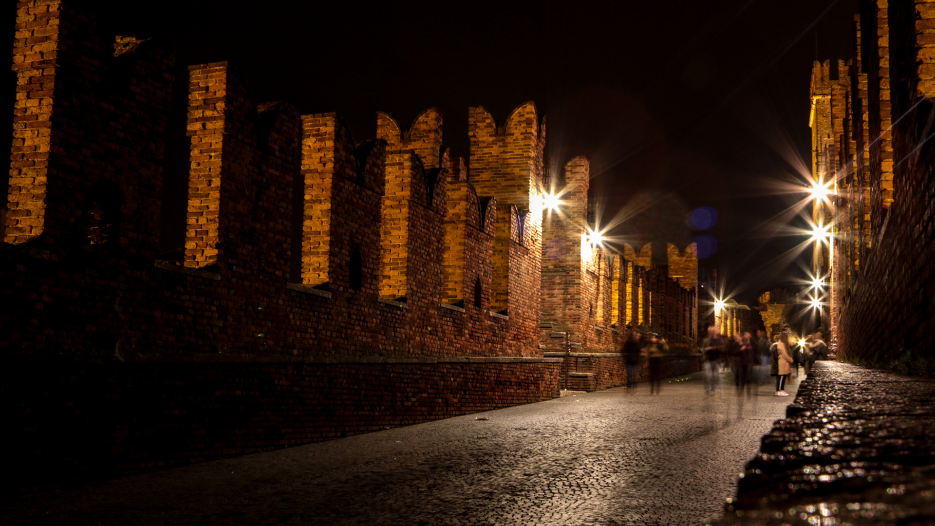 Summer night walk in Verona 25.08.21